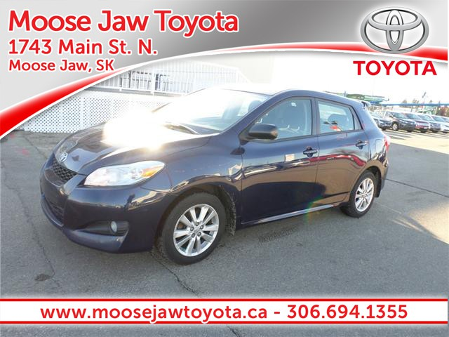 '10 Toyota Matrix – Compact & Loaded with Space